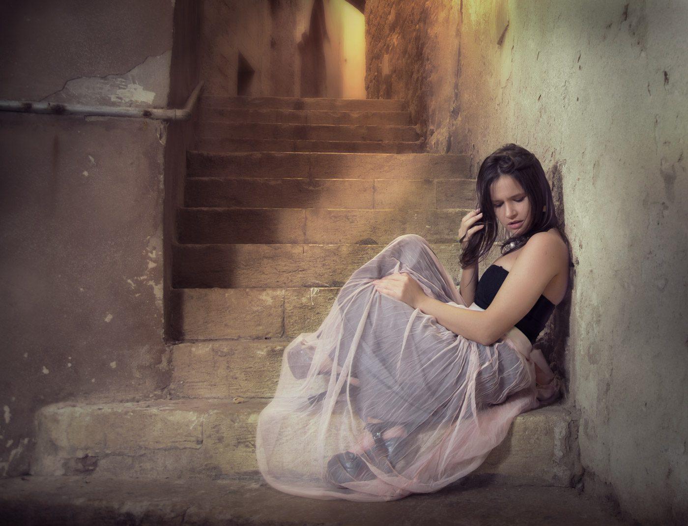 משחקי תאורה בצילום אישה