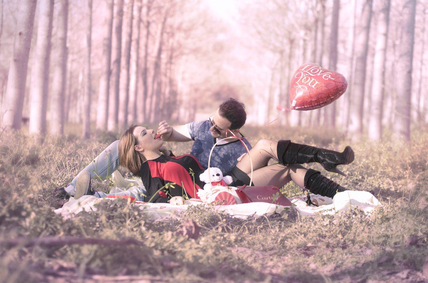 פיקניק רומנטי ביער